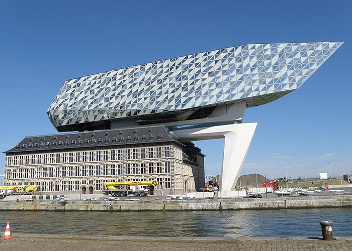 Zaha_Hadid_Antwerpen.jpg